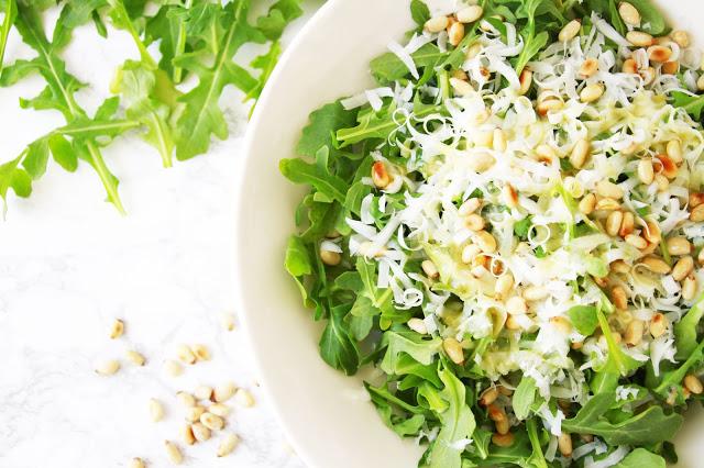 Simple Arugula Salad with Lemon-Mustard Dressing / Midwestern Mama