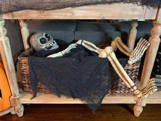 Halloween Decorations to make your home festive with a little bit of spook!  Midwestern Mama