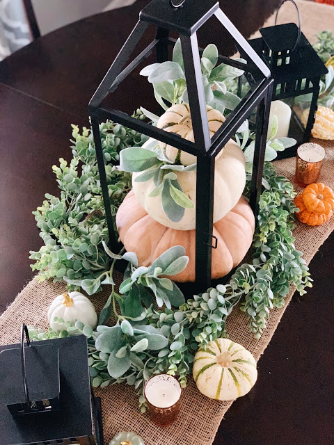 Thanksgiving tablescapes two ways!  A green and white tablescape to transition from summer to fall, and then a more traditional Thanksgiving style tablescape when you're feeling all of the fall feels!  / Midwestern Mama