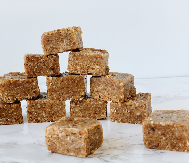 These Coconut Cashew Squares are sent from heaven!  Whole 30 and Paleo approved!  /  Midwestern Mama